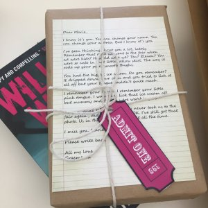 This is how Willow Walk was sent out to bloggers - can't wait to hear what they thought of it!